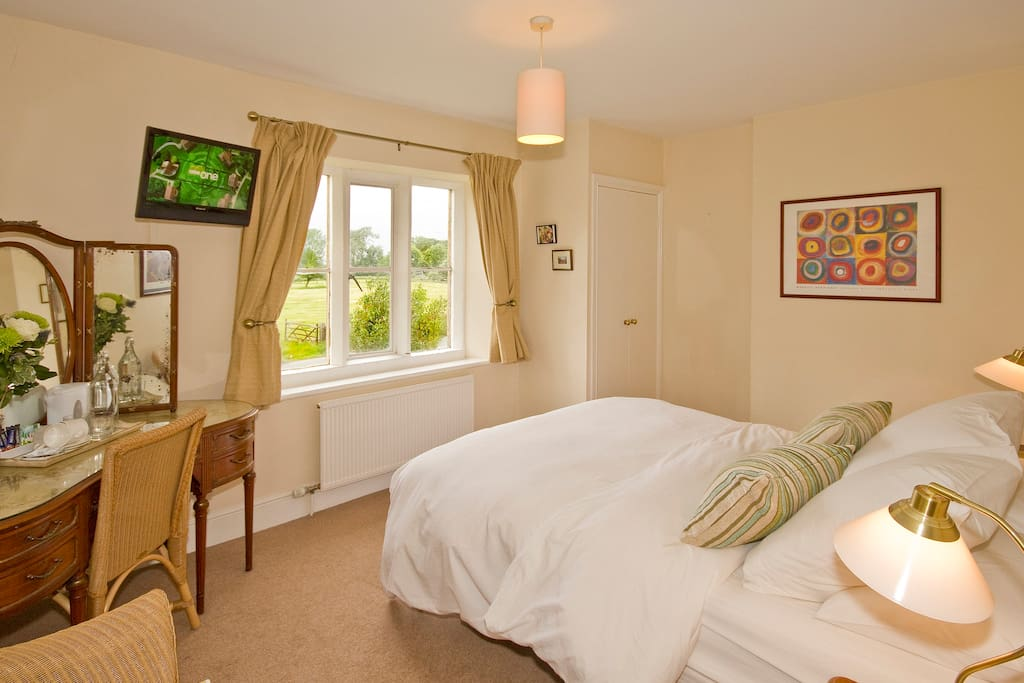 Another of our en-suite rooms - we also have a twin bedded room (2 single beds)