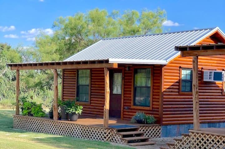 Comfy Cozy Wine Country Farm Cabin #7 for 2 People