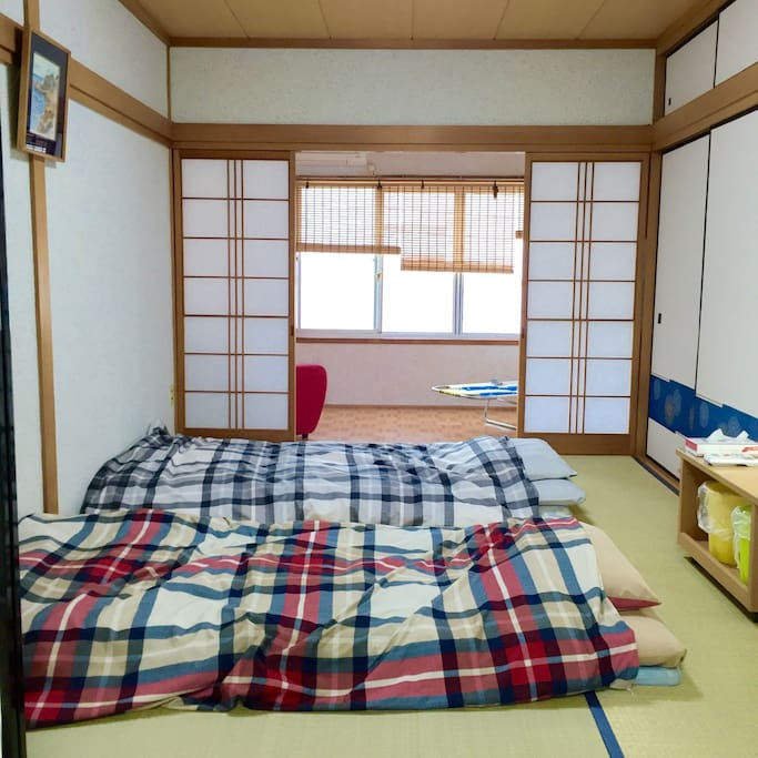 Bed room for guests. You can sleep on Futon and Tatami.