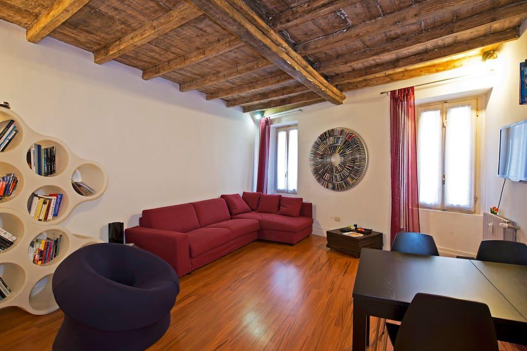 Unique studio in the heart of brera appartamenti in for Brera appartamenti
