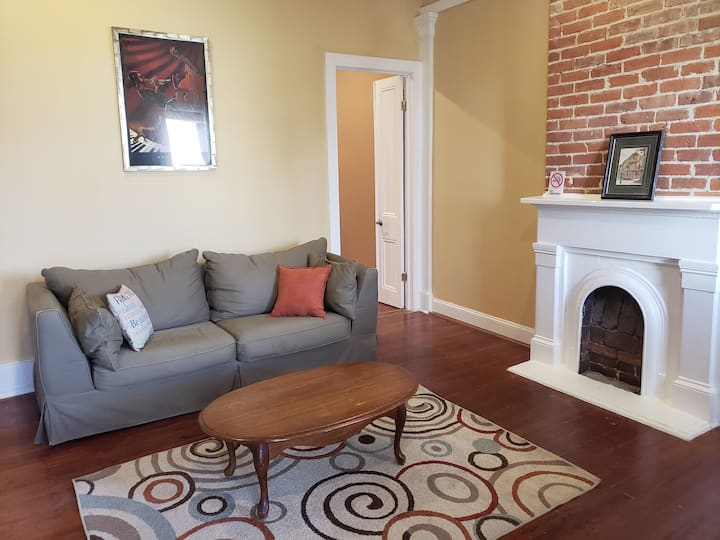 Perfect One Bedroom for Traveling Professionals