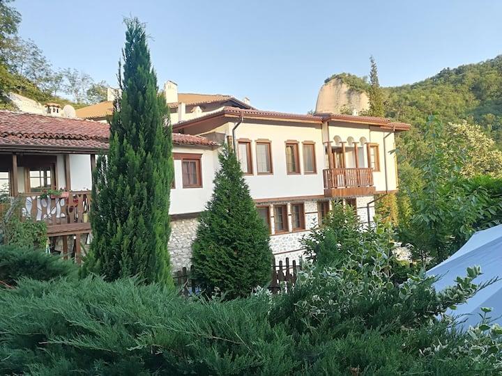 Manoleva house Suit with Balkony