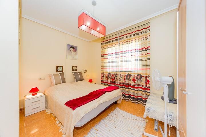 ID 21 Se alquila apartamento de dos dormitorios en Rojales (Formantera De Segura)!