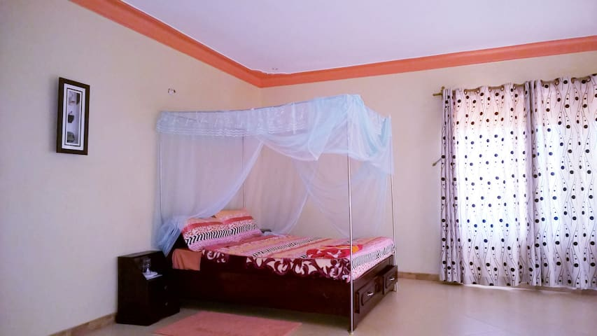 Paam Hotel & Travel Agency Room 701 - Entebbe - Apartment