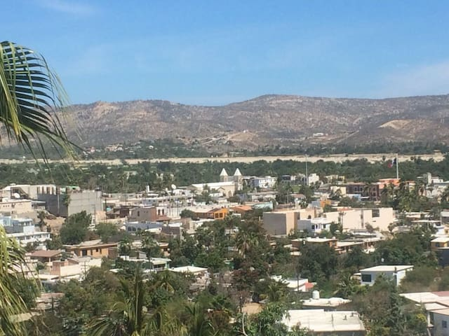 Esta es la vista que difrutaras a diario desde tu terraza en una agradable sala.