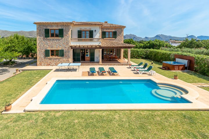 Villa can Canaveret in Pollensa