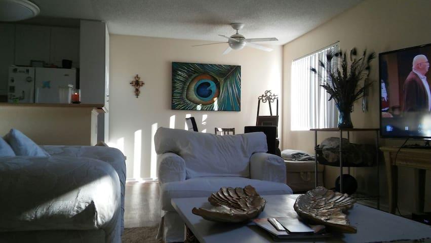 Calabasas Apartment - Calabasas - Lägenhet