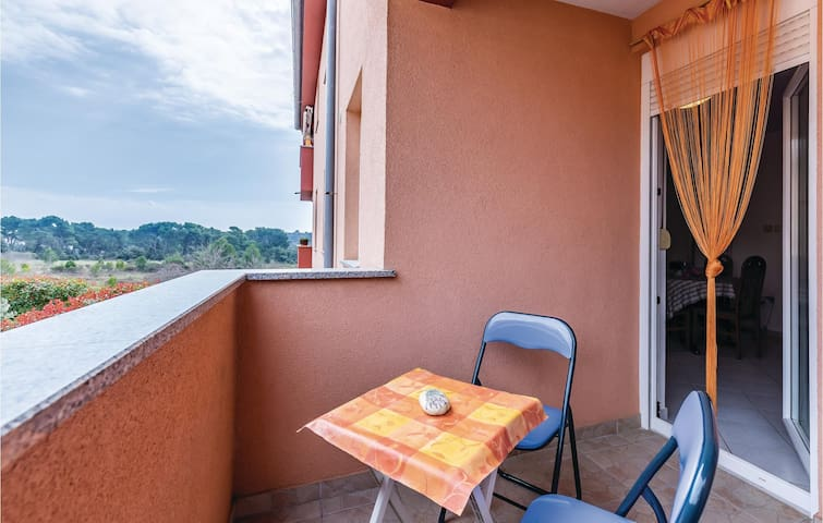 Apartment with private balcony in Pula