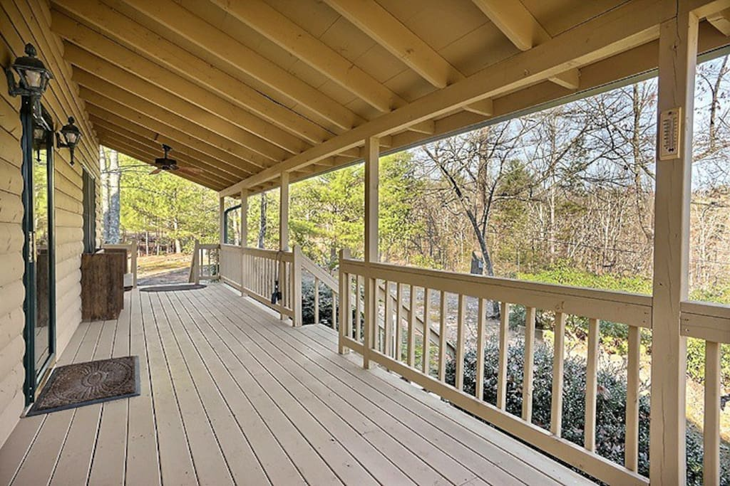 Very private, large front porch with beautiful mountain views.