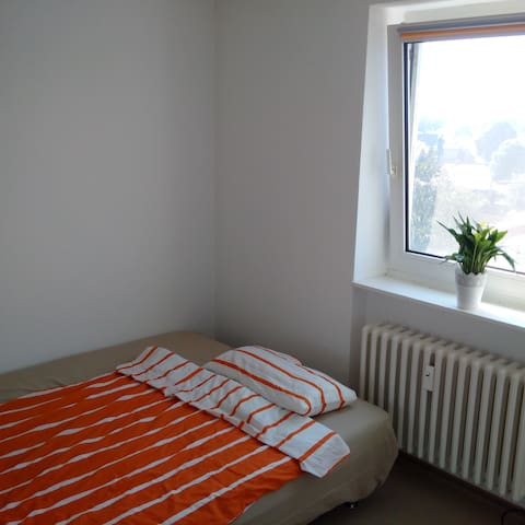 Very nice and clean room - Kaltenkirchen - Leilighet