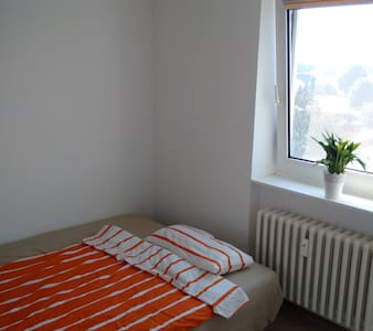 Very nice and clean room - Kaltenkirchen - Apartemen