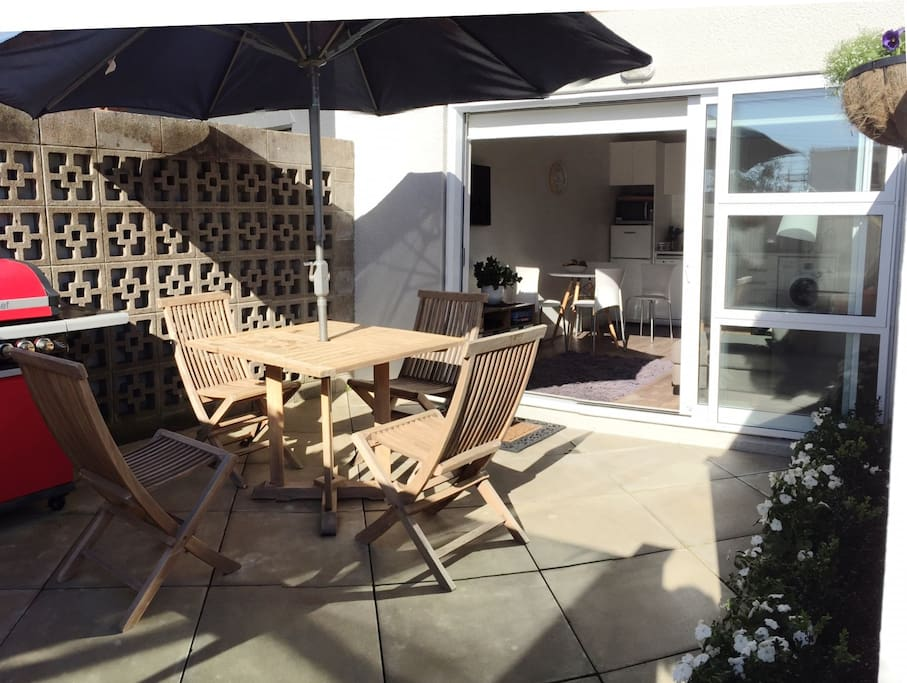 Your own courtyard & barbecue area