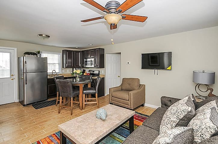 2 BR Lazy River Terrace Suite I Pool, Fitness Club - Seaside Heights - Condominium