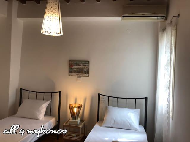 Room Nicolo in mykonos town