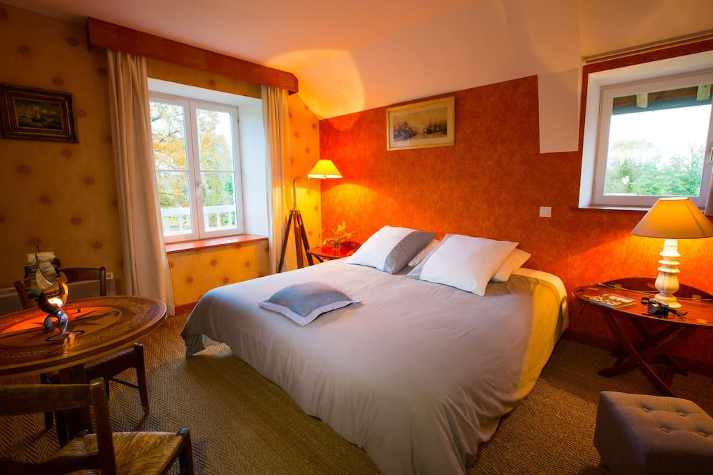 Chambre goelette capitaine bed and breakfasts for for M jardins miniac morvan