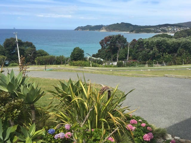 100m from the beach, superb views over Bream Bay. - Langs Beach - Daire