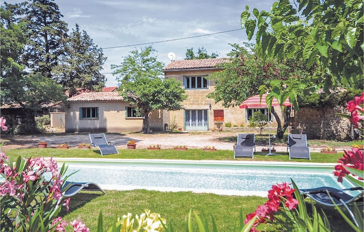 Nice home in S.Quentin-La-Poterie with WiFi and 4 Bedrooms
