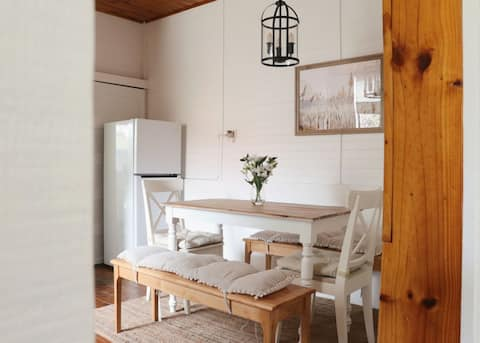Renovated cottage 200m from shops/cafes