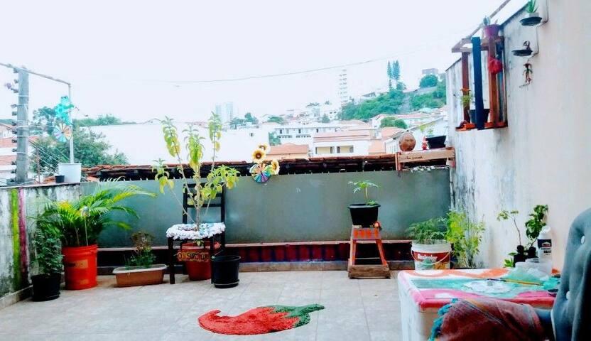 Cantinho Beija-Flor - Casa dos Palhaços Mambembes