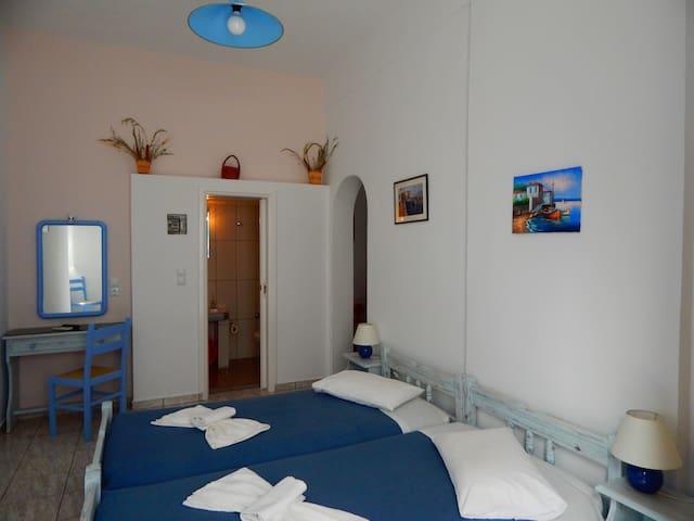 Εvgenia's Studio4 in Folegandros center