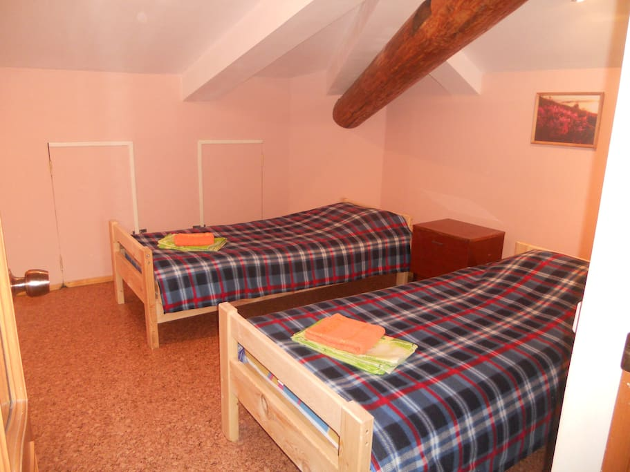 №2 - double room, 8 m2 (2 single beds, without window)