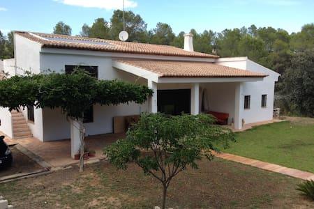 MEDITERRANEAN VILLA - Rumah