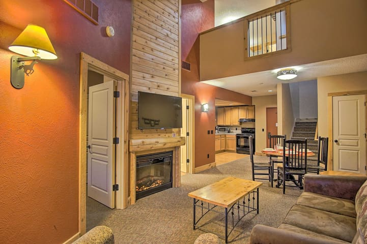 NEW! Rustic Condo Retreat at the Double JJ Resort!