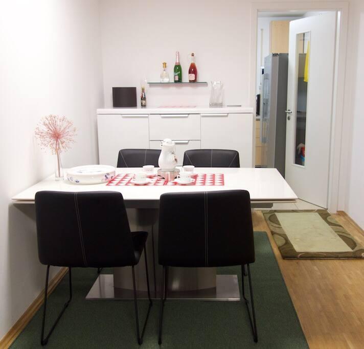 餐桌,160厘米(220厘米)* 90厘米