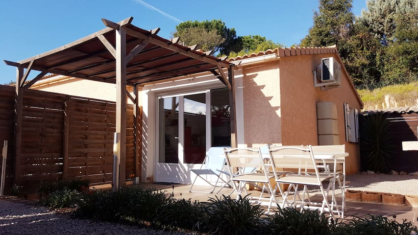 Porticcio, comfortable cottage, 5 mn from beaches