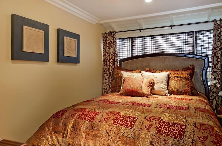 Master Bedroom - Jasmine North Laguna