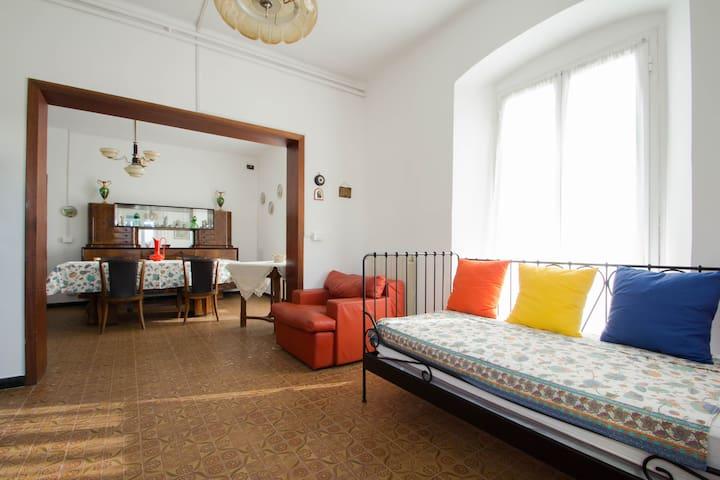 HOUSE IN ITALIAN RIVIERA
