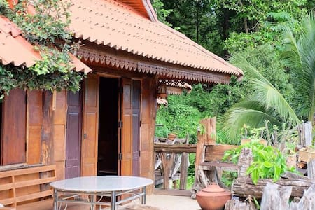 Wooden Villa Mountain and Water View - Chiangmai