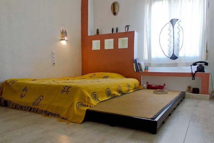 Habitación doble en piso tranquilo  - València - Apartamento