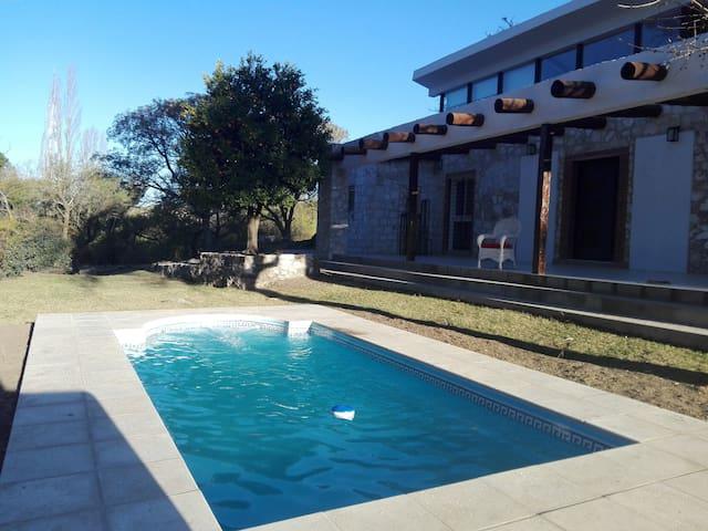 Casa de campo en V. Buena Esperanza,  Alta Gracia.