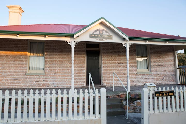 Spencer Cottage holiday accommodation - Albany - Vakantiewoning