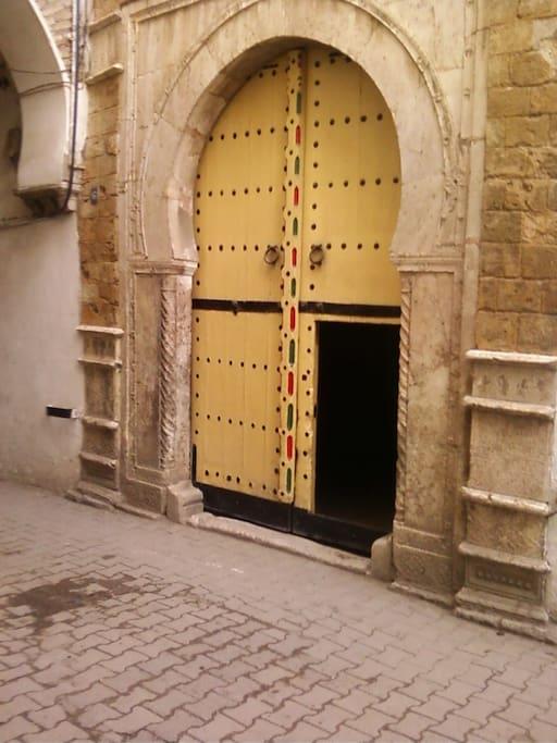 Porte typique