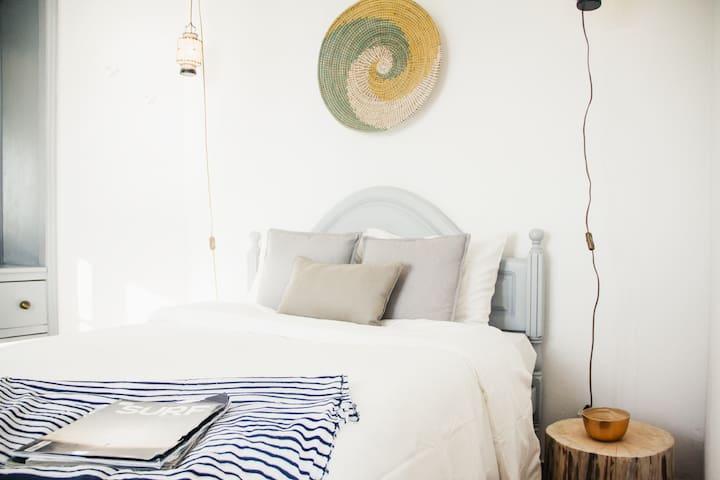 BEDROOM + DOUBLE BED