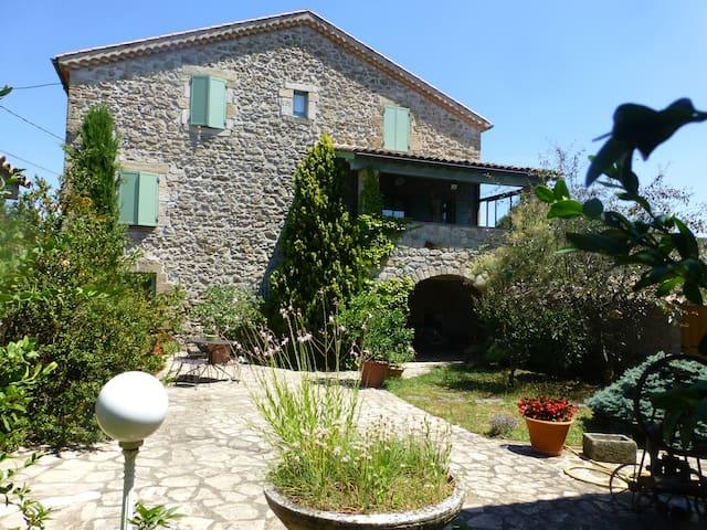 Maison avec piscine privative - Lachapelle-Sous-Aubenas - Casa