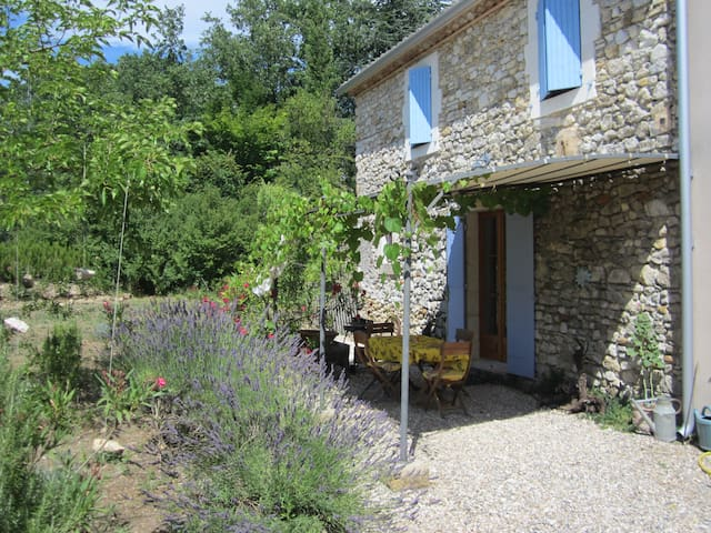 Petite Broche - Countryside Retreat - Cornillon - Huis