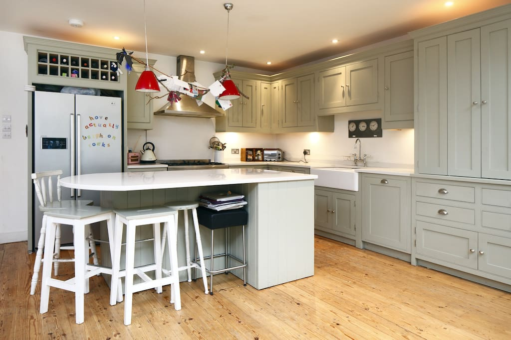 Superbly equipped, hand-made shaker-style kitchen