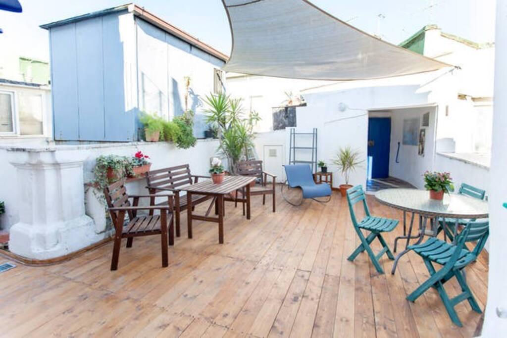 Appartamentino ottima posizione appartamenti in affitto for Dove soggiornare a napoli