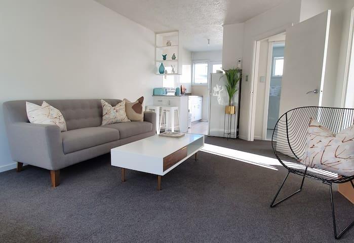 Stylish 2 Bedroom Unit close to  Christchurch City