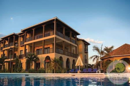 Beachfront 2 bdrm Luxury Suite! - Gran Pacifica Resort - Wohnung