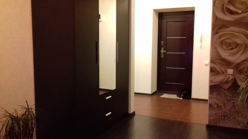 Квартира в новом доме - Tomsk - Huoneisto