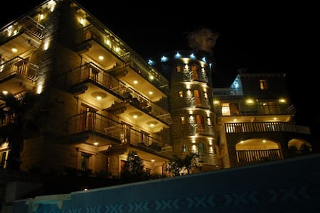 Castle with lux 2-bedroom apartment - Petrovac - Wohnung
