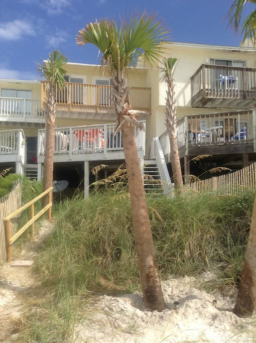 "YOUR PRIVATE DECK, OVER L@@KING THE GULF ""GULF OF MEXICO,     THAT IS"""