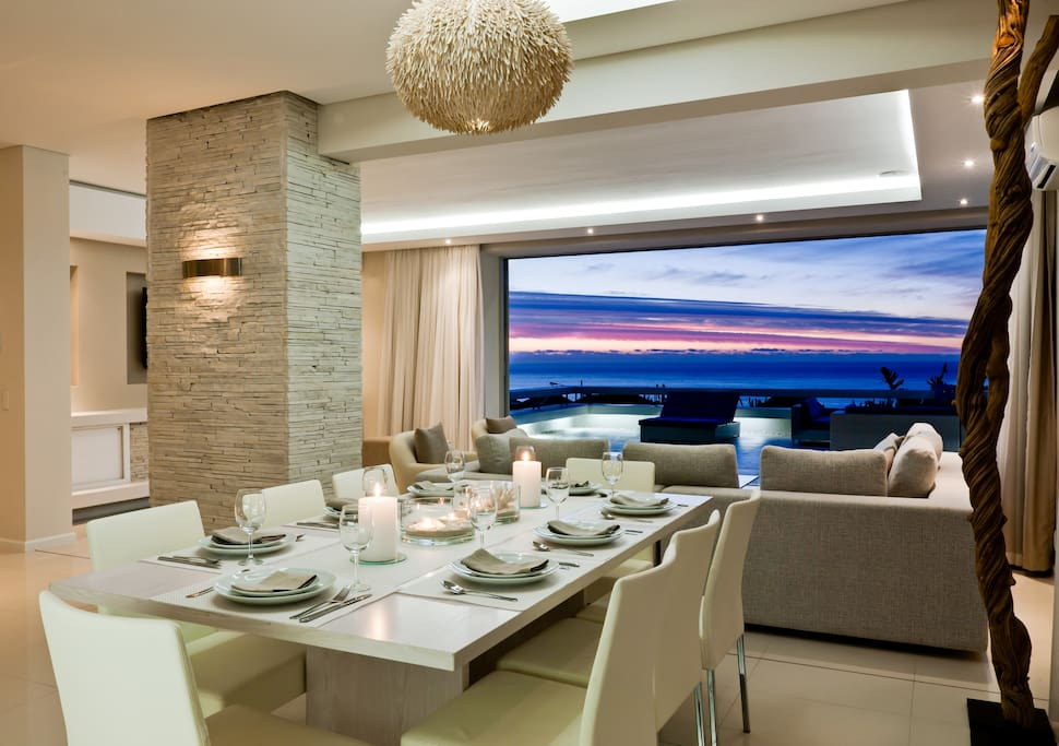 Lower Dining room with sea view