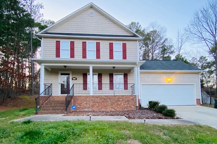 Convenient and Comfy Durham/Research Triangle Park