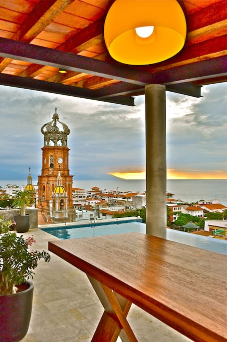 Roof Top Infinity Pool Terrace, and Views