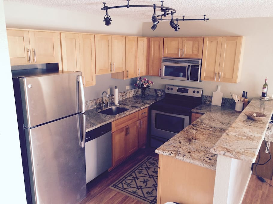 New, modern Kitchen (fully equipped)
